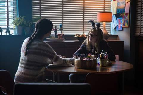 I Kill Giants - Madison Wolfe, Zoe Saldana